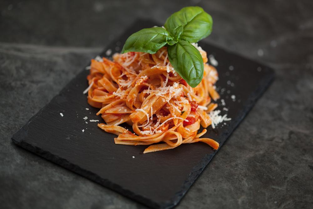 Tagliatelle mit Tomatensauce