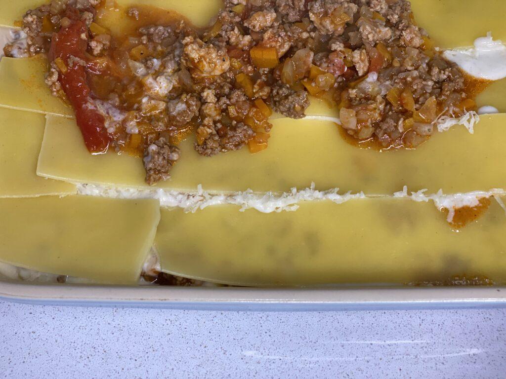 Auflaufform mit Lasagne
