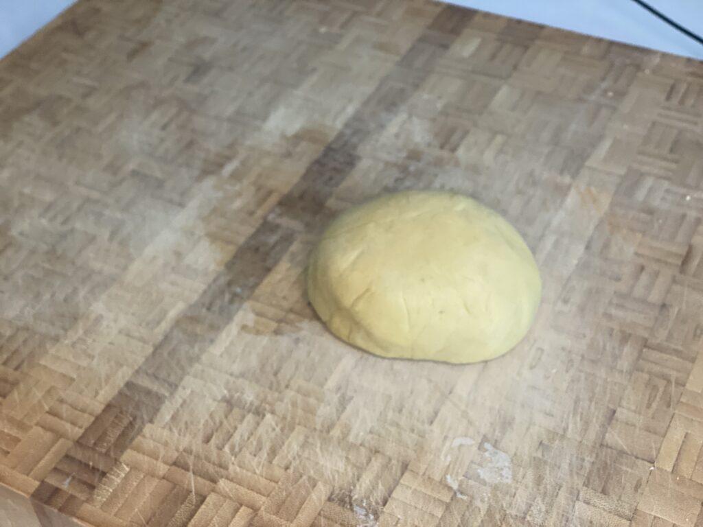 Frischer gekneteter Nudelteig